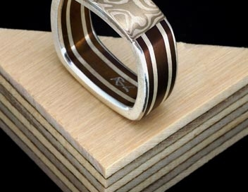 anello titanio quadro v