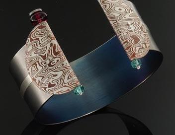 bracciale titanio iside